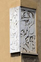 Eckrelief an der Wohnhausanlage in der Heiligenstädter Straße 165 in Wien - Architekten Karl Hauschka und Gustav Schüssler.