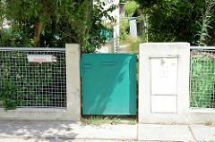 Eingang zum Wohnhaus in der  Werkbundsiedlung Wien - Kubische Architektur in der Woinovichgasse - Architekt Adolf Loos, 1922. Adolf Loos (1870 - 1933) war ein österreichischer Architekt, der als einer der Wegbereiter der modernen Architektur gilt.
