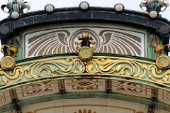 Jugendstildekor der Station Karlsplatz in Wien - Haltestelle der Stadtbahn, eröffnet 1899 - Architekt  Otto Wagner, Jugendstilornamentik Joseph Maria Olbrich.