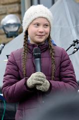 Fridays for Future - Demo in Hamburg - 01.03.2019. Klimaaktivistin Greta Thunberg bei ihrer Rede auf der Abschlusskundgebung auf dem Hamburger Rathausmarkt.