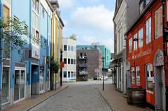Blick durch die Rote Straße zum Flensburger Rathausplatz.