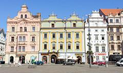 Historische Gebäude auf dem Pilsener Hauptplatz náměstí Republiky / Platz der Republik - denkmalgeschützte Altstadt von Pilsen / Plzeň.