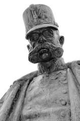 Kaiser Franz Joseph Denkmal im Wiener Burggarten - eingeweiht 1957.