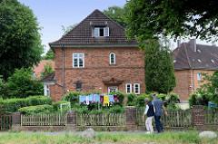 Denkmalgeschützte Wohnhäuser in der Fördestraße von Flensburg-Mürwik.