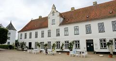 Kavaliershaus vom Renaissance-Schloß Glücksburg / Ostsee.