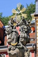 Mondsichelmadonna mit Dornenkrone - Skulpturenensemble in Karlsbad /  Karlovy Vary.