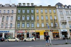 Wohn- und Geschäftshäuser  in der Straße Varšavská in Karlsbad / Karlovy Vary.
