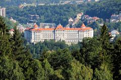 Blick auf das im Stil der Neorenaissance erbaute Hotel Imperial in Karlsbad /  Karlovy Vary;  fertig gestellt 1912 - Architekten Ferdinand Fellner und Hermann Helmer.