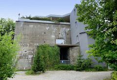 Ehemaliger Truppenmannschaftsbunker bei der Marineschule Flensburg Mürwik - jetzt Umnutzung als Wohnraum mit Penthaus.