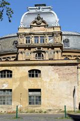 Rückseite vom Gebäude des Kaiserbades in Karlsbad /  Karlovy Vary; fertigestellt 1895 - Architekten des Neorenaissance-Gebäudes waren Ferdinand Fellner und Herman Helmer.