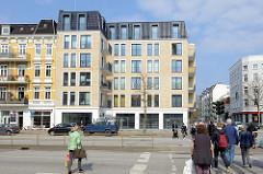 Mehrstöckiger Neubau an der Martinistraße / Ecke Eppendorfer Landstraße in Hamburg Eppendorf; Areal des ehem. Ristorante Tre Castagne, das 2015 abgerissen wurde.