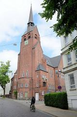 Sankt Petri Kirche in der Bauer Landstraße von Flensburg; eingeweiht 1909 im neugotischen Baustil - Architekt  Peter Jürgensen.