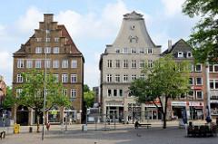Denkmalgeschützte Wohn- und Geschäftshäuser am Südermarkt von Flensburg.
