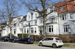 Historische Wohnhäuser - Architektur des Historismus in der Geffckenstraße von Hamburg Eppendorf.