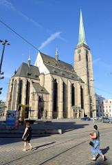 St. Bartholomäus Kathedrale in Pilsen / Plzeň, Baubeginn der hochgotischen Hallenkirche um 1295.