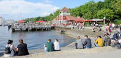 Hafenpromenade und Hafenspitze an der Flensburger Förde in Flensburg.