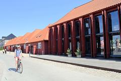 Alte Schuppen mit geöffneten Türen - Søndre Masteskur / Galionsvej  im Hafen von Kopenhagen, ursprünglich errichtet 1748 / re. 1829,