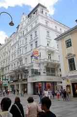 Ehemaliges Stiftungshaus der Heinrich Graf Hardegg'schen Doktorenstiftung in der Kärntner Straße in Wien - erbaut 1888, Architekt Carl Schumann im Neorenaissancestil.
