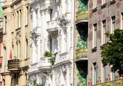 Detailbilder der Architektur Wiens - Hausfassaden an der Linken Wienzeile.