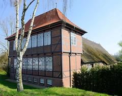 Denkmalgeschütztes Hufnerhaus am Moorfleeter Deich in Hamburg Moorfleet; erbaut nach 1682 - städtisches Wohnhaus / Sommersitz mit angegliedertem bäulerlichen Betrieb.