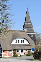 Kirchturm der Sankt Johanniskirche im Hamburger Stadtteil Curslack.