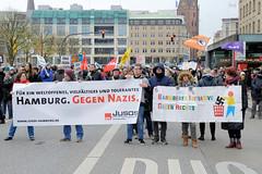 Demo gegen rechte Kundgebung in Hamburg - Hamburger Bündnis gegen Rechts - Transparente Hamburg Gegen Nazis, Barbeker Initiative gegen Rechts.