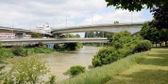 Brückenführung - Nussdorfer Brücke über den Donaukanal in Wien.