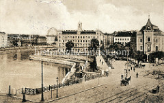 Historische Aufnahme vom Wiener Donaukanal - Blick auf das Gebäude der Donau-Dampfschiffahrts- und Rettungsgesellschaft.