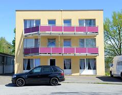 Bilder aus dem Hamburger Stadtteil Billbrook - Wohnhaus im Gewerbegebiet an der Werner-Siemens-Straße.