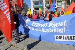 Ostermarsch 2019 - Demo für Abrüstung in Hamburg. Transparent der Linken - Ergreif Partei, für Frieden und Abrüstung.
