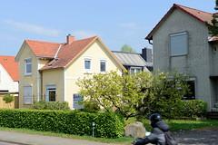 Tangstedt, Kreis Pinneberg  ist eine Gemeinde  in Schleswig-Holstein mit ca. 2200 Einwohnerinnen.
