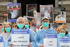 Internationaler Tag zur Abschaffung der Tierversuche - Silent Cube am 27.04.19, Hamburger Rathausmarkt.