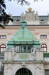 Detailbilder der Architektur Wiens - Fassade Albertina.