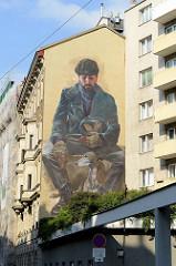 Wandbild in der Magdalenenstraße von Wien - Titel Unvergängliche Relikte; Künstler  Evoca1