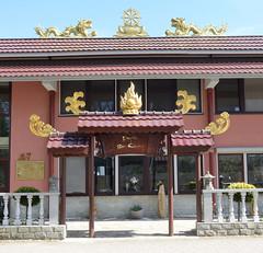 Bilder aus dem Hamburger Stadtteil Billbrook - Budistentempel / Pagode Bao Quang der Vietnamesische Buddhistische Gemeinschaft Hamburgs am Billbrookdeich.