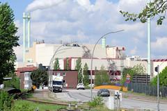 Fotos von Hamburgs Stadtteil Billbrook, Bezirk Hamburg Mitte. Blick von der Bredowstraße über die Bredowbrücke zu der Industrieanlage der Müllverwertung in der Borsigstraße.