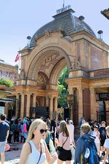 Eingang vom Tivoli in Kopenhagen; der Vergnügungspark wurde 1843 eröffnet.