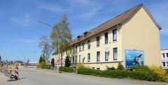 Bilder aus dem Hamburger Stadtteil Billbrook -  Wohnhaus / alleinstehendes Gebäude im Gewerbegebiet am Billbrookdeich.