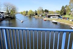 Bilder aus dem Hamburger Stadtteil Billbrook - Blick von der Blauen Brücke am Ring 2 auf die Bille.
