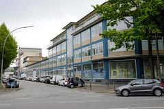 Fotos aus dem Hamburger Stadtteil Borgfelde - Bezirk Hamburg Mitte. Ehemaliges Verwaltungsgebäude mit Verkaufsräumen im Baustil der 1960er Jahre in der Eiffestraße / Normannenweg - jetzt leer stehend.