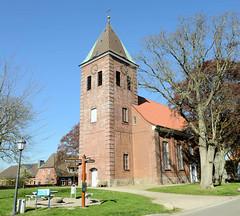 Bilder aus Wöhrden, Gemeinde im Kreis Dithmarschen - Metropolregion Hamburg. Die Wöhrdener St. Nicolai-Kirche wurde 1788 im spätbarocken Stil fertiggestellt - Baumeister August Rothe. Der Vorgängerbau wurde 1777 polizeilich geschlossen