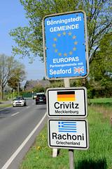 Fotos aus der Gemeinde Bönnigstedt - Kreis Pinneberg - Metropolregion Hamburg;  Schilder - Europas Partnergemeinden.