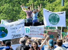 Demonstration Friday for the Future - globaler Klimastreik am 24.05.19 in der Hansestadt Hamburg.