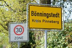 Fotos aus der Gemeinde Bönnigstedt - Kreis Pinneberg - Metropolregion Hamburg; Ortschild - Grenzschild, Zone 30.