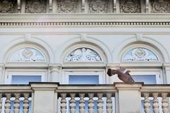 Architekturfotos aus dem Hamburger Stadtteil Eimsbüttel - Bezirk Eimsbüttel; Stuckdekor - Fassade des ehem. Freimaurerkrankenhauses am Kleinen Schäferkamp; errichtet 1885.