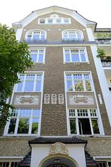 Architekturfotos aus dem Hamburger Stadtteil Eimsbüttel - Bezirk Eimsbüttel;  Wohnhaus Am Weiher. Das Etagenhaus wurde 1912 errichtet, Architekt F. Walter.