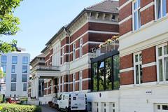 Architekturfotos aus dem Hamburger Stadtteil Eimsbüttel - Bezirk Eimsbüttel; ehem. Freimaurer-Krankenhaus - eröffnet  1885. 1935 wurde das Krankenhaus in Elisabeth-Krankenhaus umbenannt. 2000 wurde dort das ELISABETH ALTEN- UND PFLEGEHEIM DER FREIMAU