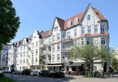 Fotos aus dem Hamburger Stadtteil Eppendorf - Bezirk Hamburg Nord. Historische Etagenhäuser / Jugendstilarchitektur in der Eppendorfer Landstraße.