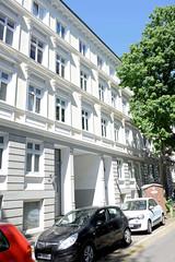 Architekturfotos aus dem Hamburger Stadtteil Eimsbüttel - Bezirk Eimsbüttel; Wohngebäude in der Fettstraße. Das denkmalgeschützte Gebäude wurde 1890 errichtet, Architekt A. H. Bühring.