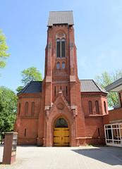 Bilder aus dem Hamburger Stadtteil Hoheluft Ost - Bezirk Hamburg Nord. Kirche St. Markus in der Heider Straße - die Kirche wurde ursprünglich als neogotisches Gebäude1899 errichtet, Architekt Hugo Groothoff. Im Krieg zerstört wurde sie als sogen. Not